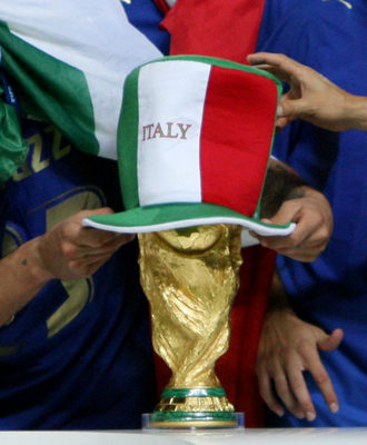 world%20cup%20trophy%20italia.jpg